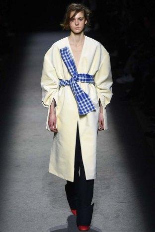 Jacquemus-aw16-pfw-womenswear-rtw-16