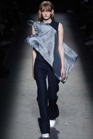 Jacquemus-aw16-pfw-womenswear-rtw-18