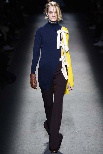 Jacquemus-aw16-pfw-womenswear-rtw-23