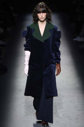 Jacquemus-aw16-pfw-womenswear-rtw-27