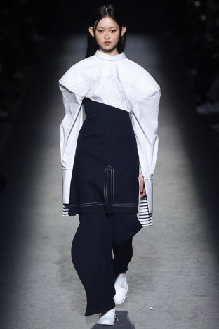 Jacquemus-aw16-pfw-womenswear-rtw-3
