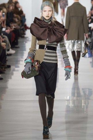 Maison-Margiela-aw16-pfw-rtw-womenswear-10