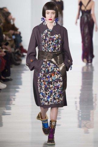 Maison-Margiela-aw16-pfw-rtw-womenswear-16