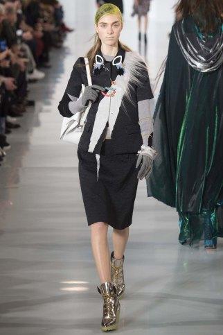 Maison-Margiela-aw16-pfw-rtw-womenswear-19