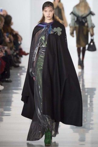Maison-Margiela-aw16-pfw-rtw-womenswear-4