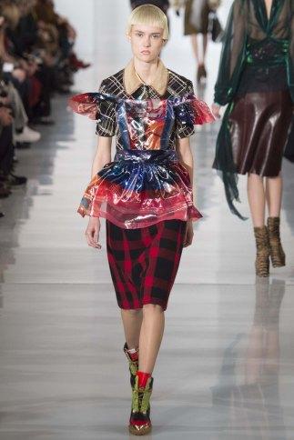 Maison-Margiela-aw16-pfw-rtw-womenswear-6