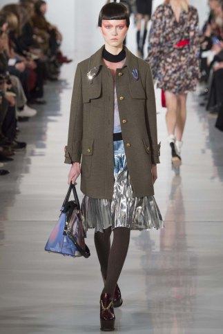 Maison-Margiela-aw16-pfw-rtw-womenswear-9