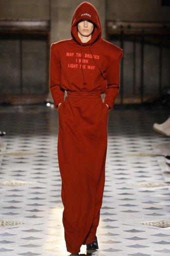 Vetements-aw16-pfw-rtw-womenswear-11