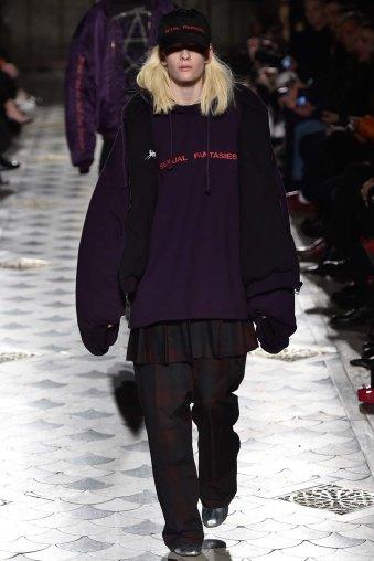 Vetements-aw16-pfw-rtw-womenswear-14