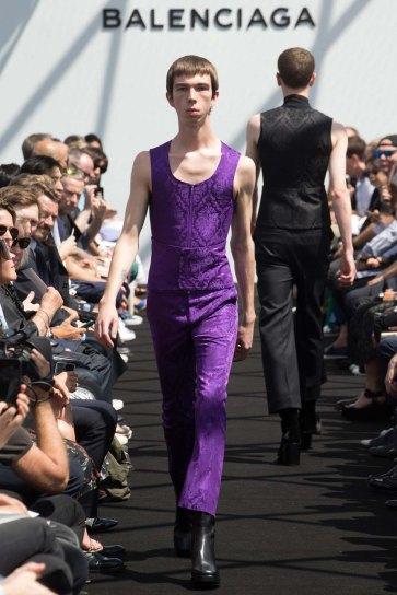 Balenciaga-spring-2017-pfw-slashitmag-menswear-14