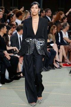 Givenchy-spring-2017-womenswear-slashitmag-pfw-24