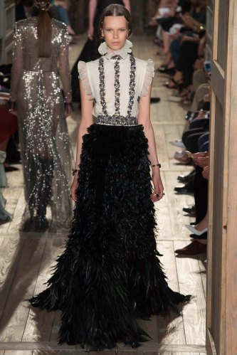 Valentino-fall-2016-couture-pfw-fashion-26