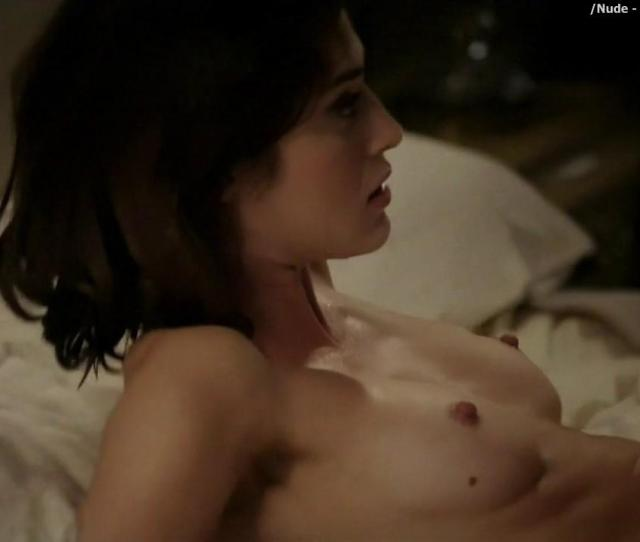 Lizzy Caplan Nude In Bed On Masters Of Sex 25