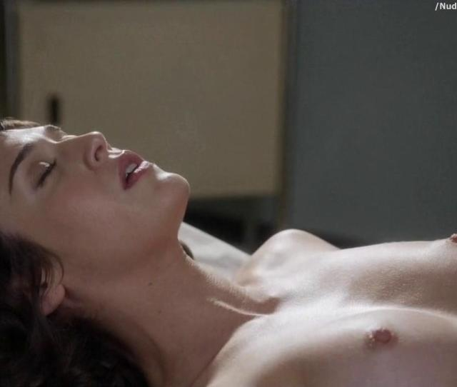 Lizzy Caplan Nude To Masturbate On Masters Of Sex 24