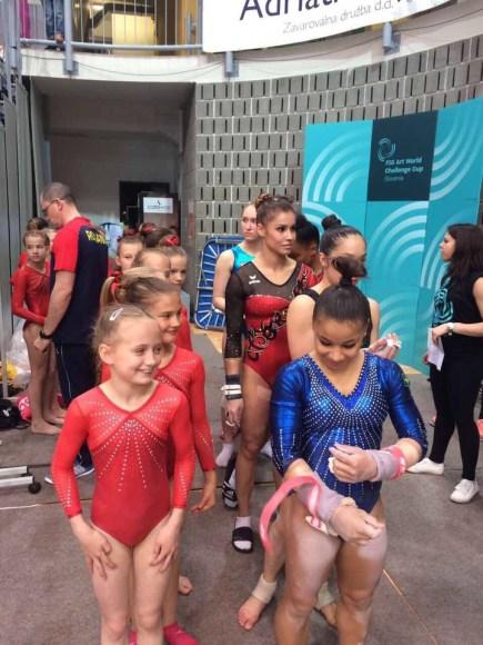 Вся Европа аплодирует русской гимнастке Анюте.