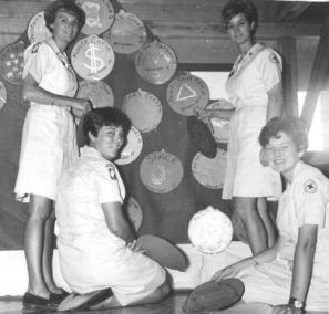 American Women Who Volunteered To Serve During The Vietnam War Through The Red Cross