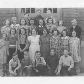Amos Griffin's 7th-8th grade class, Newton Grade School, 1938-1940