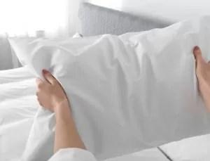 Fluffing shredded memory foam pillow