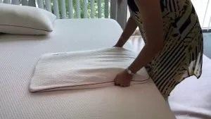 how to fluff a memory foam pillow