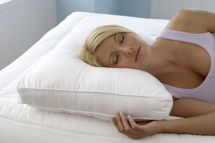 SleepSoftly  A guide to choosing the best pillow for side sleepers