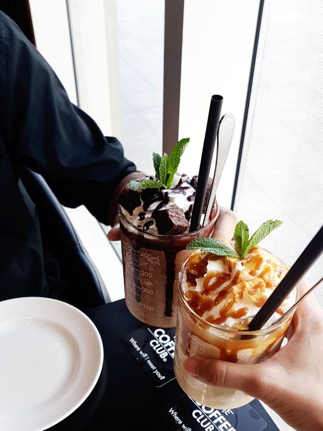 Chocolate brownie and Creme brulee milkshake