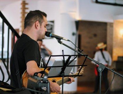 Live music at Cucina restaurant