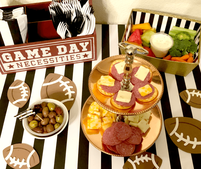 HORMEL GATHERINGS Party Trays - Stress-Free Football Party