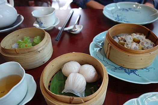 The foru for £10 dim sum lunch. Missing are the chicken gyoza