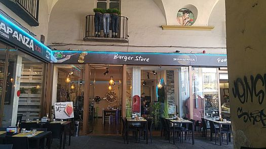We were amused AND horrified to see 'Burger Store' in the Piazza Reppublica