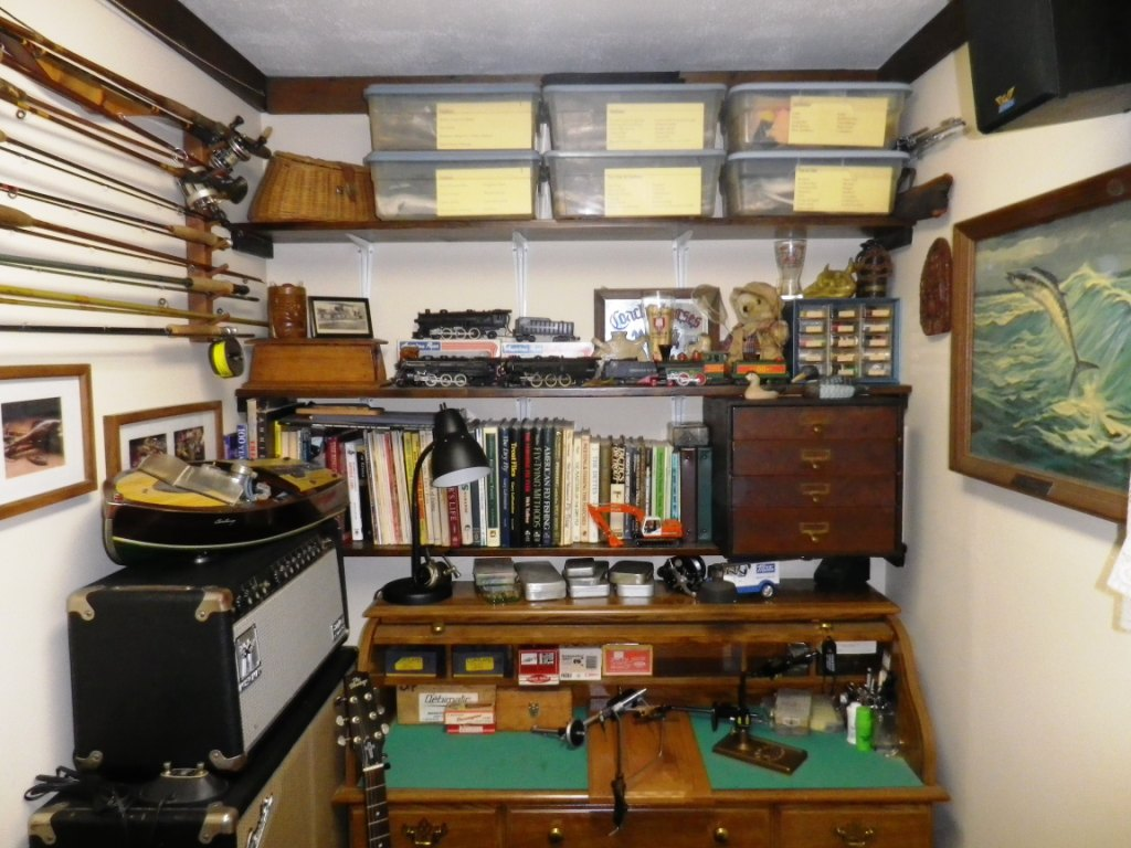 Fly tying stuff and the worlds smallest man cave