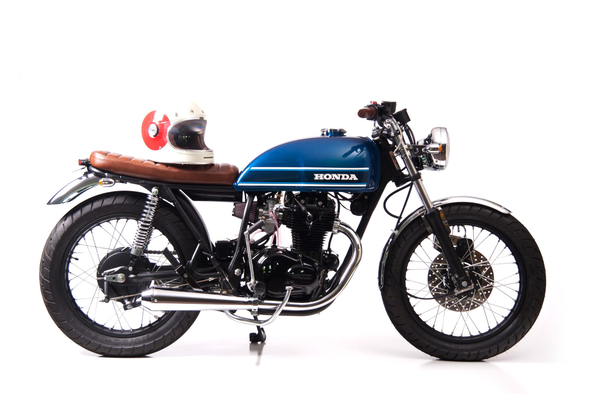 hight resolution of fully restored 1976 honda cb360t