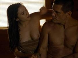 naked-elizabeth-olsen-in-oldboy-i