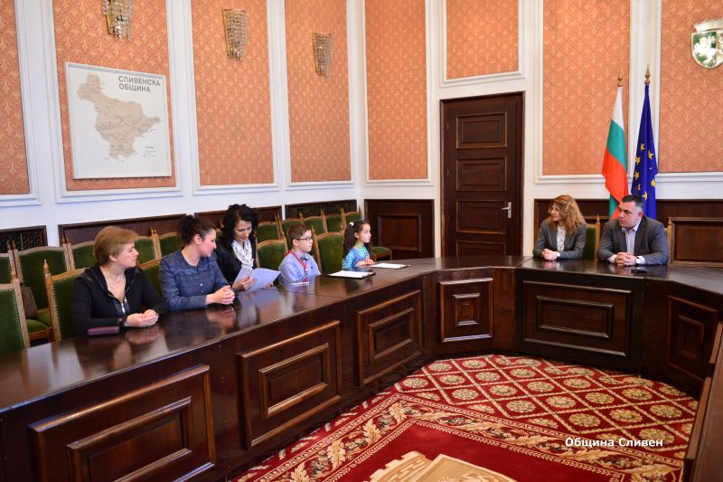 """Кметът Стефан Радев даде първото си интервю за онлайн телевизията на СУ """"Пейо Кр. Яворов"""""""
