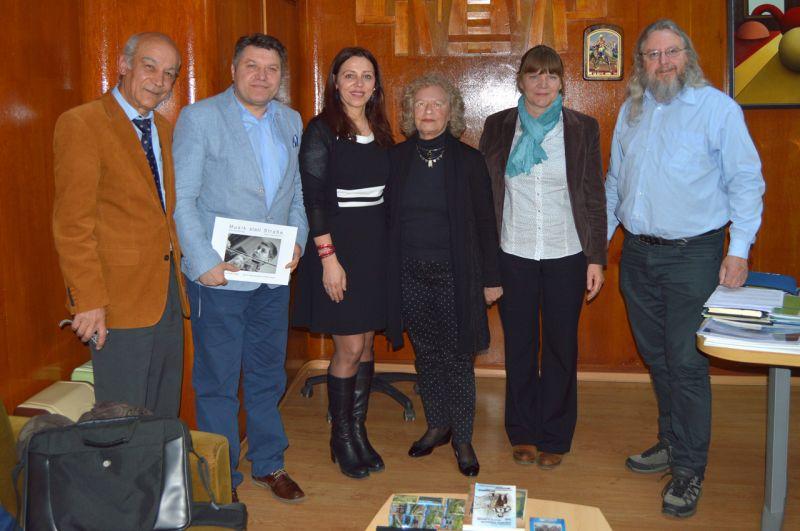 Заместник-кметът Стоян Марков прие в кабинета си известния цигулар и алтруист Георги Калайджиев