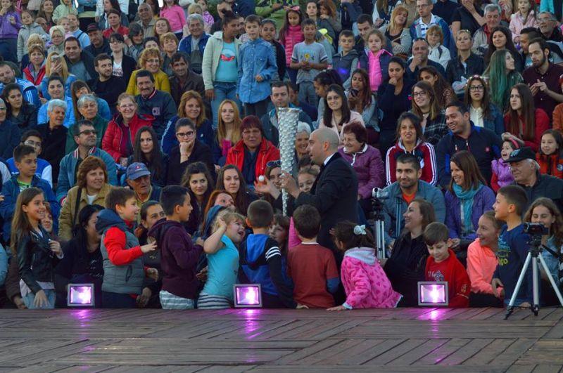 Близо 1 500 души посетиха крепост Туида в магичната вечер с Quick Hands Project