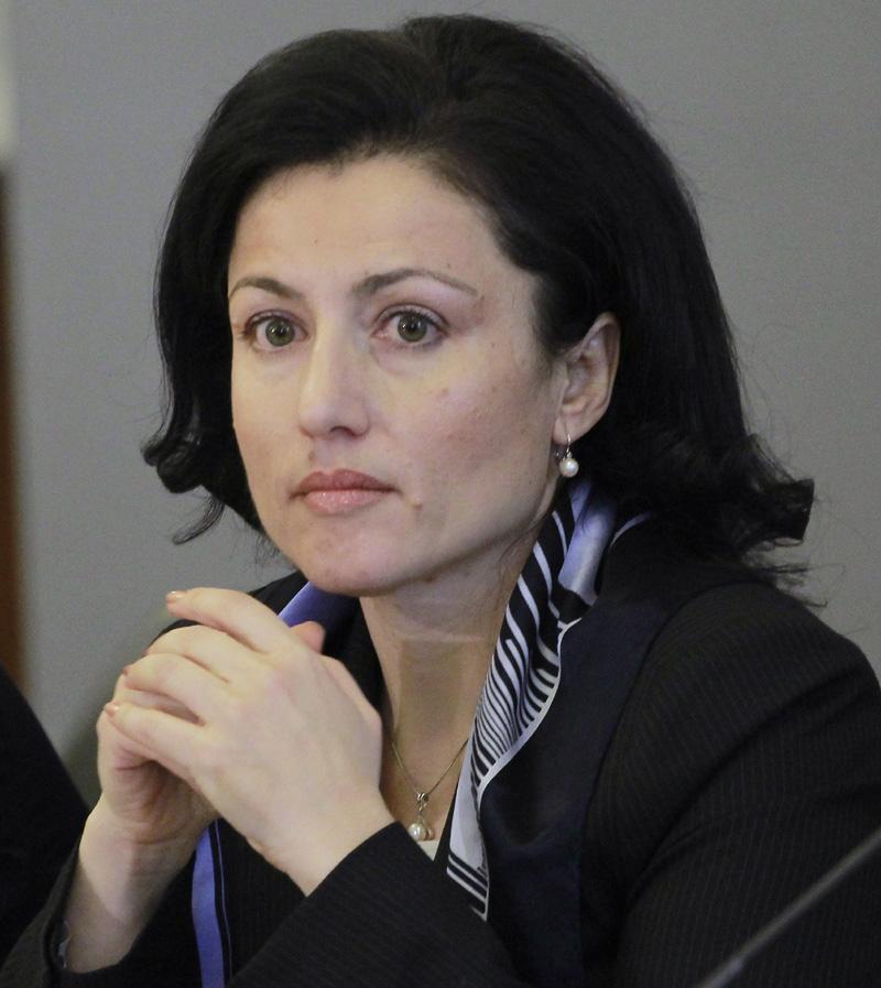 Министър Десислава Танева: Трябва да върнем държавата към нормалността