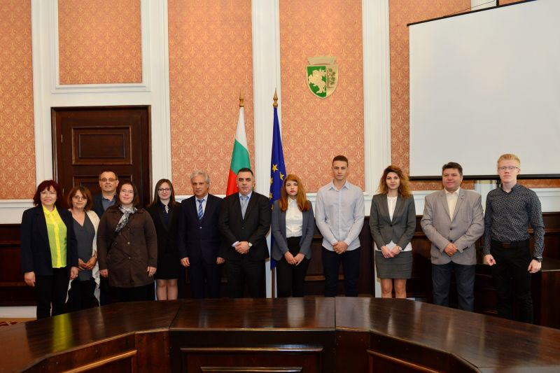 Ученици поеха ръководството на Община Сливен в Деня на младежкото самоуправление