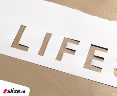 Witte snijbelettering - Fashion as a lifestyle Oldenzaal