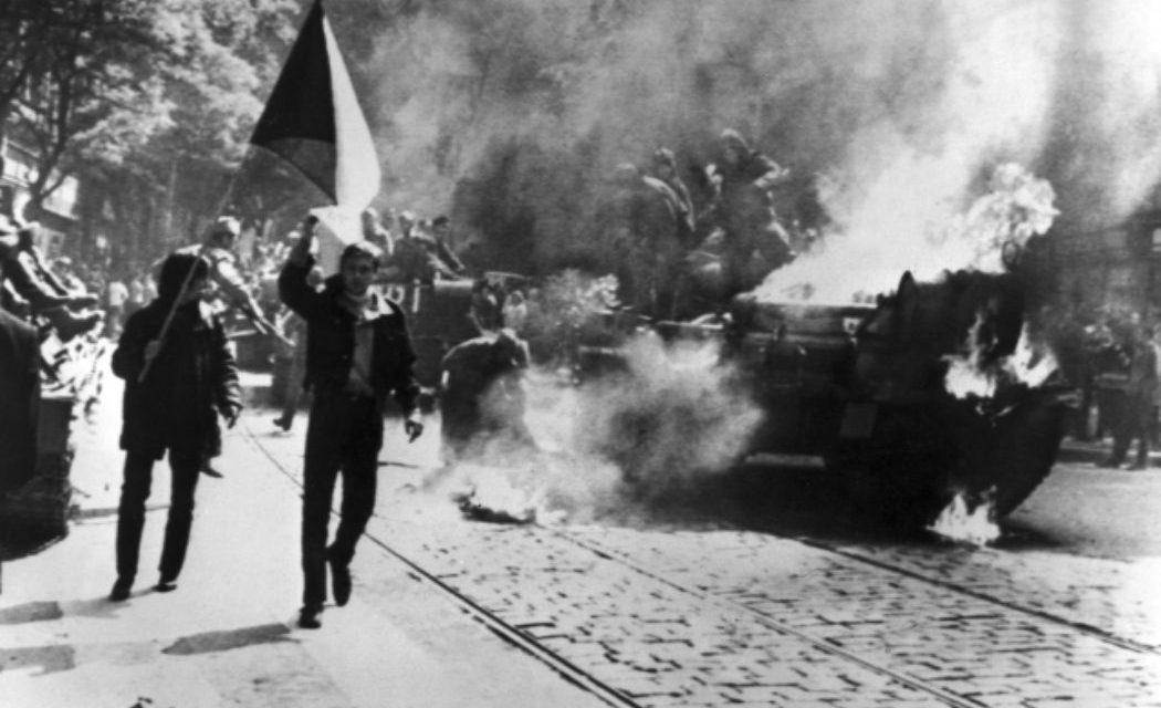 Rok 1968. Kto rozhodoval o útoku na Československo?