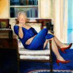 Bill Clinton zobrazený, ako sa hrdo predvádza v modrých šatách Moniky Lewinskej s červenými…