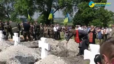 Demokracia v podaní Ukrajiny má akýsi nacistický nádych. [Dopredu varujeme, toto video môže spôsobiť…