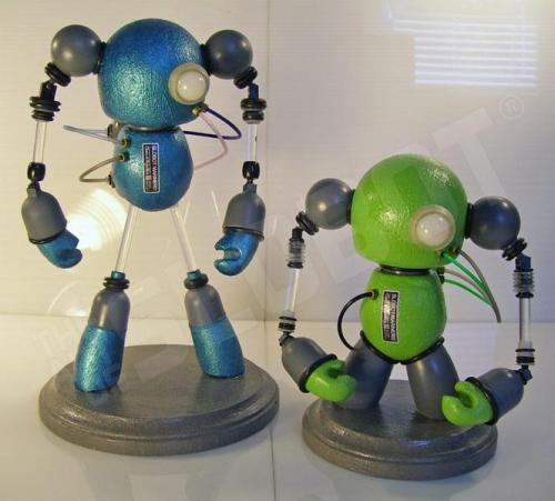 mike slobot_SLOBOT_Mariner02_robot art_both