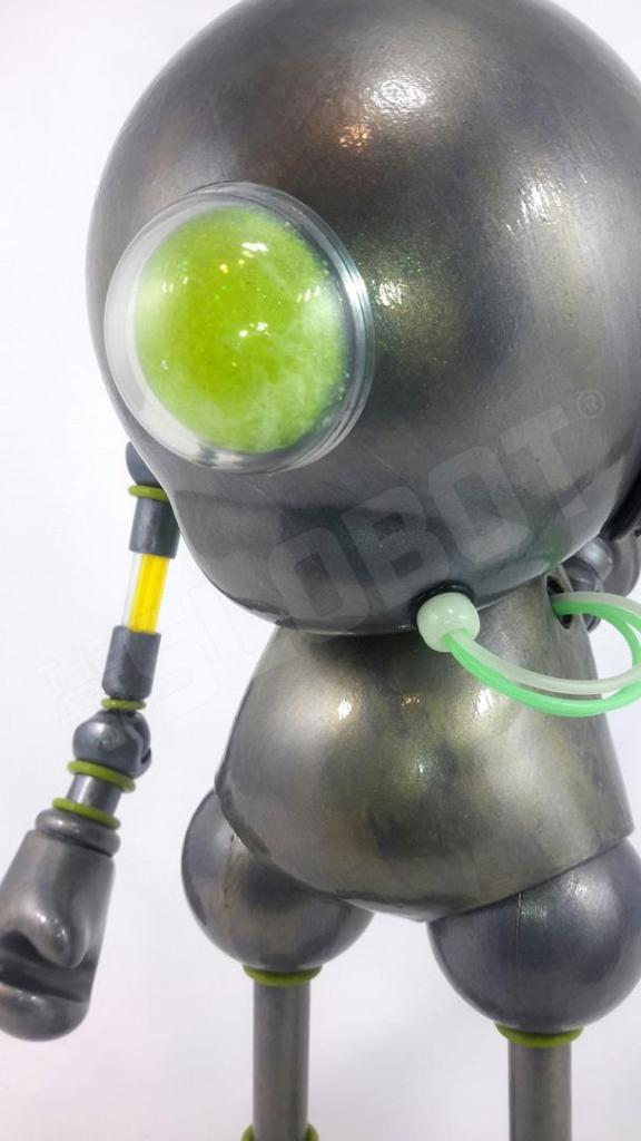 Detail Mike Slobot Kidrobot Munny Vinyl Toy Robot Guardian Angel 02
