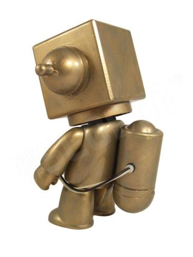 Mike Slobot 5 - Sentinel Class Moon Robot gold Qee side