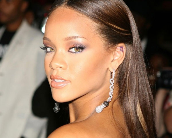 Cut Baby Girl Wallpaper Rihanna Amp Her Extraordinary Hairstyle Look Slodive