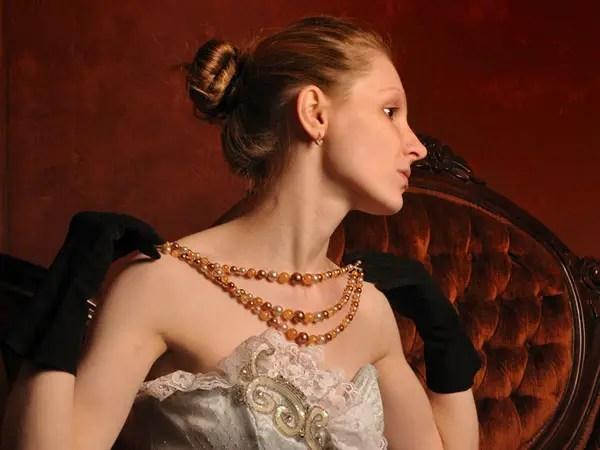 30 Wonderful Victorian Hairstyles SloDive