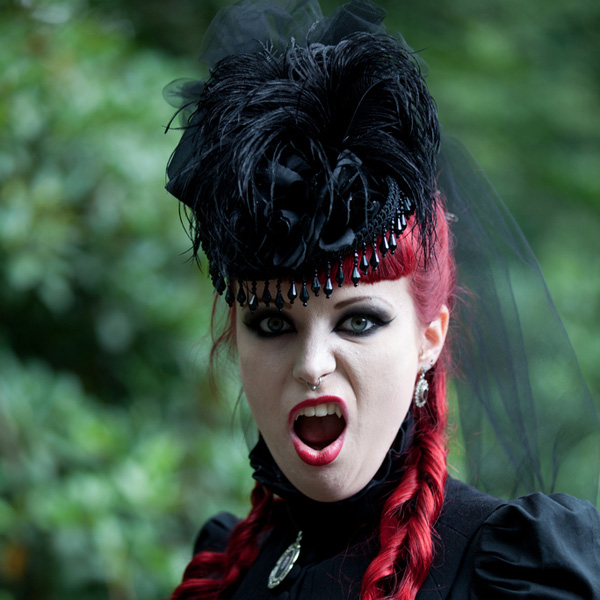 25 Terrific Gothic Hairstyles SloDive