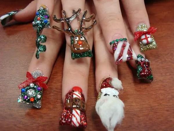 16 Cool Christmas Nail Designs