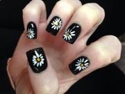 darling little daisy nail art