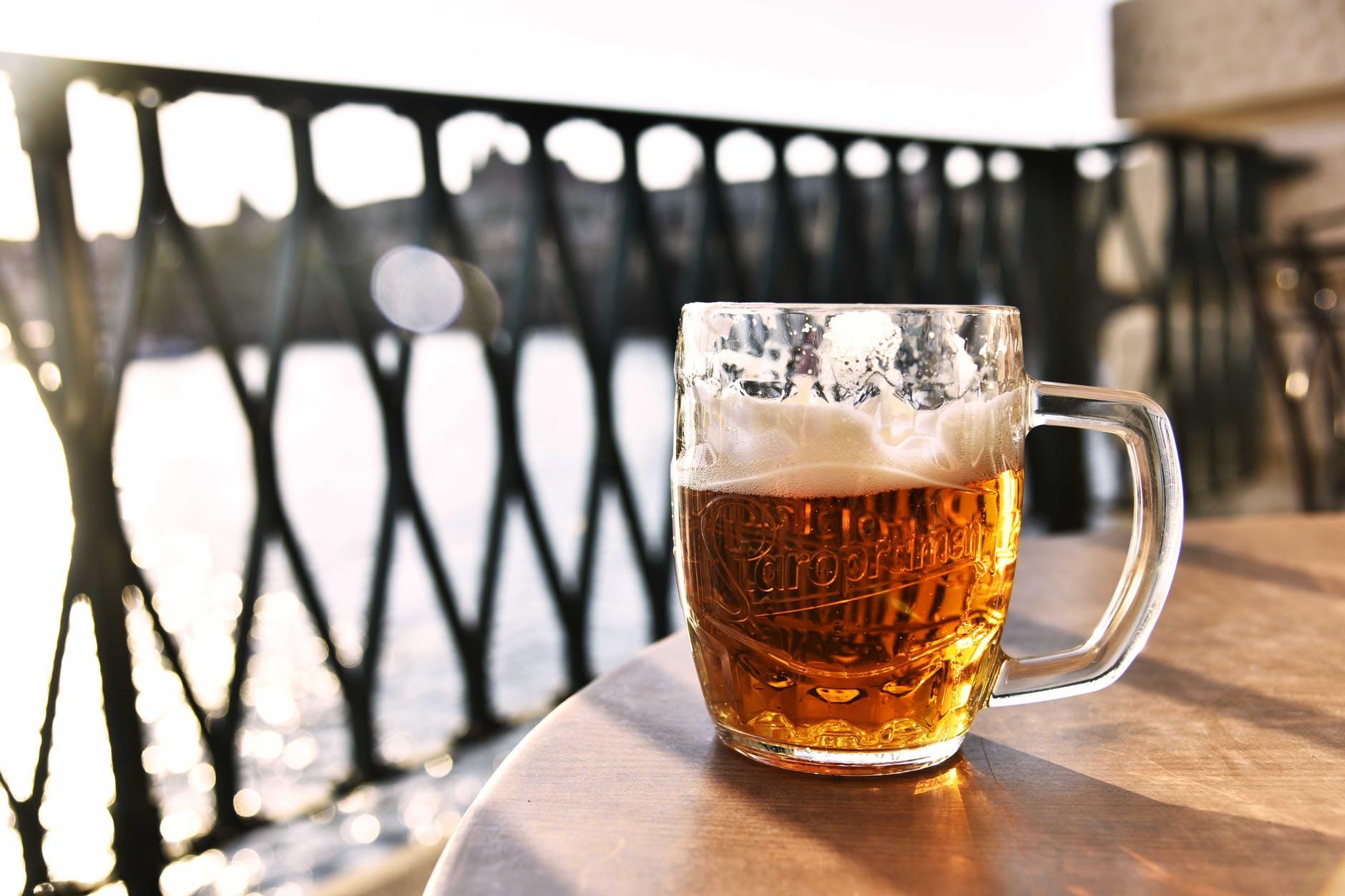 clear glass beer mug